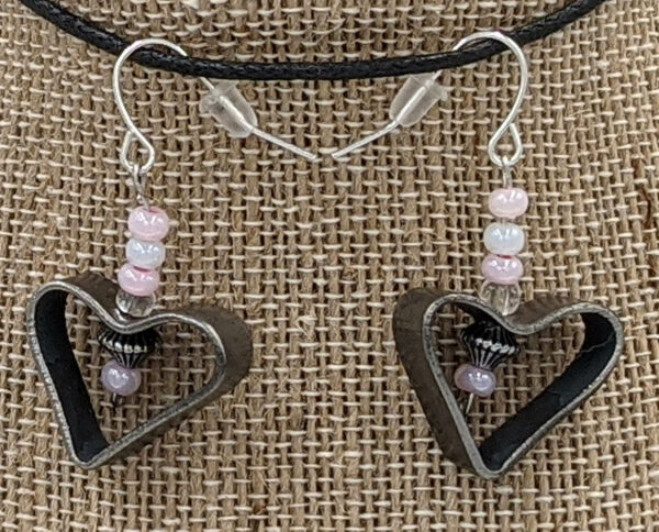 Disarm Hearts Earrings Pink